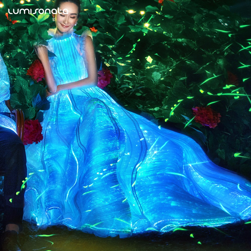 light up dress,gala dresses,fiber optic dress,glowing dress,zac posen dresses